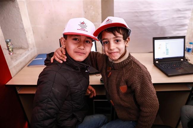Vodafone, Suriyeli çocukları 'kodlama' ile tanıştırıyor