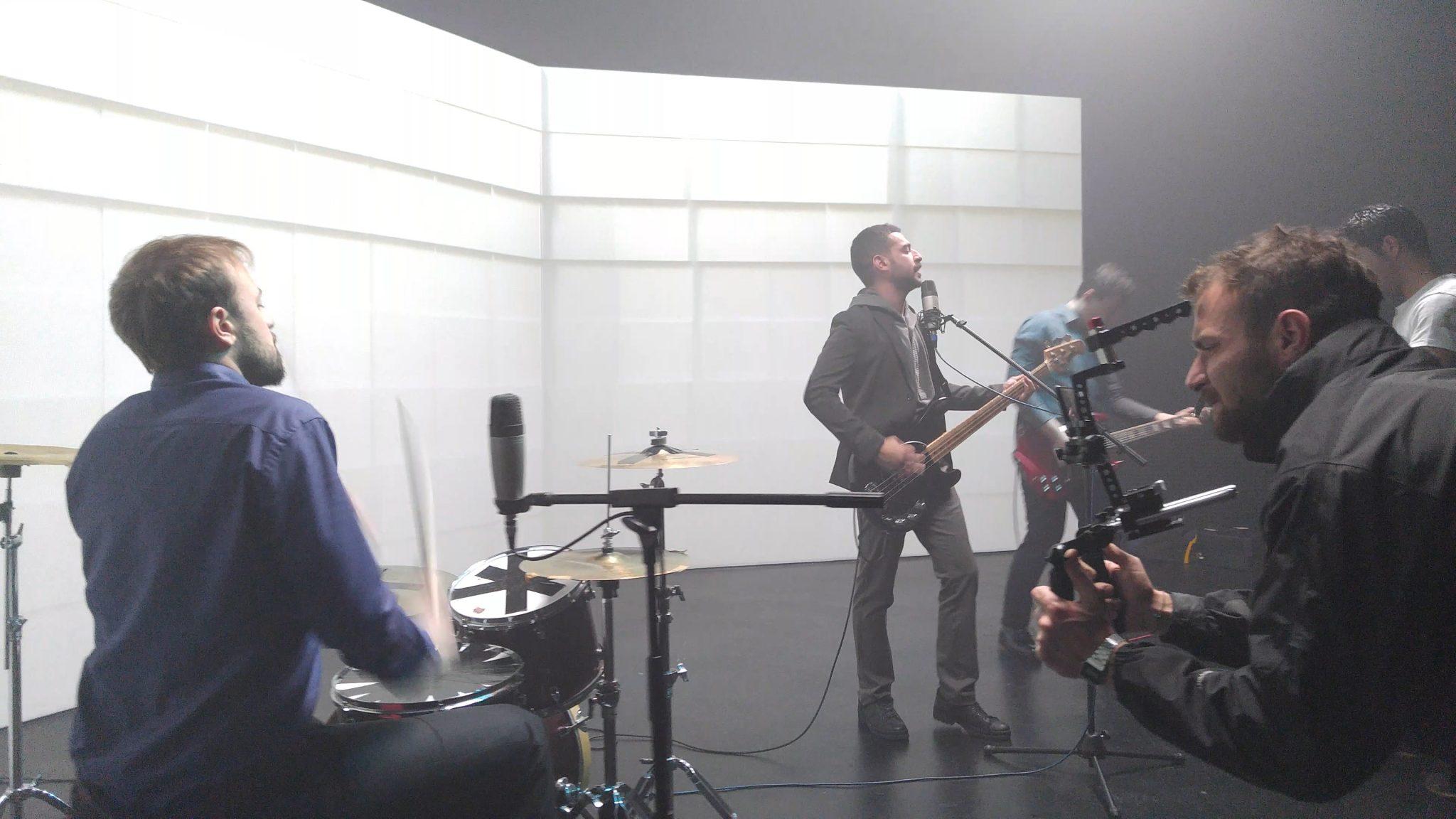 LG V10, alternatif genç müzisyenlere klip çekiyor