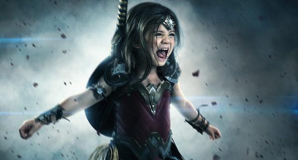 Üç yaşındaki Wonder Woman