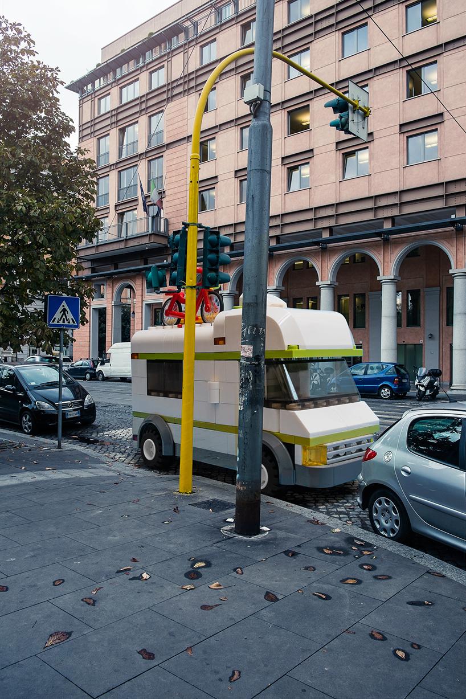 domenico-franco-lego-outside-legoland-italy8