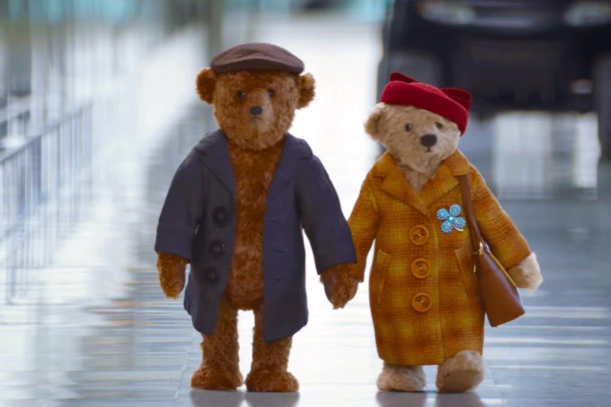 Yaşlı çiftin yolculuk maceraları viral oldu