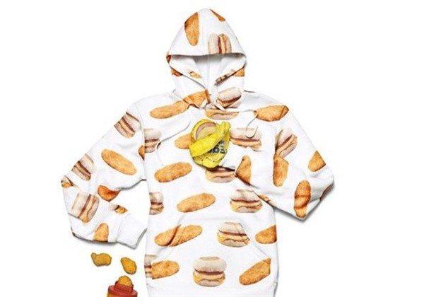 McDonald's kıyafet koleksiyonunu tanıttı
