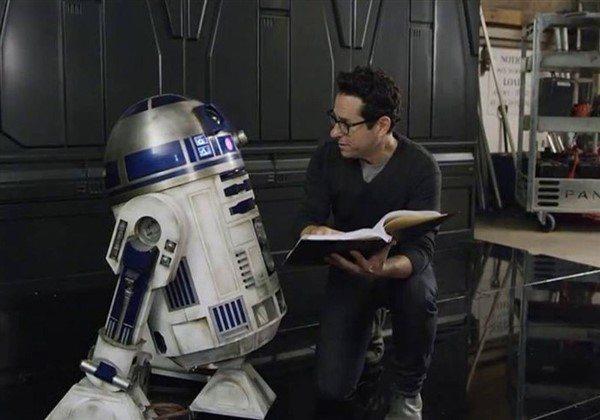 Star Wars: Episode IX'u J.J. Abrams yönetecek