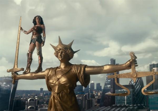 Justice League yeni fragmanını yayınladı