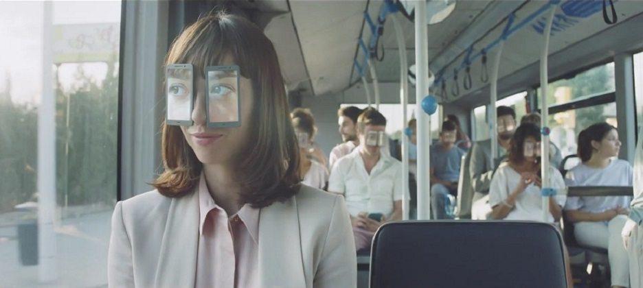 Black Mirror'ın yönetmeni göz spreyi reklamını yönetti