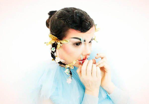 Björk'ten yeni bir müzik videosu