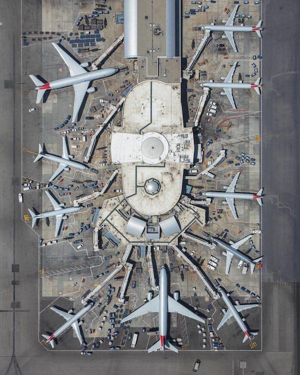 havalimanindaki simetrinin fotograflari
