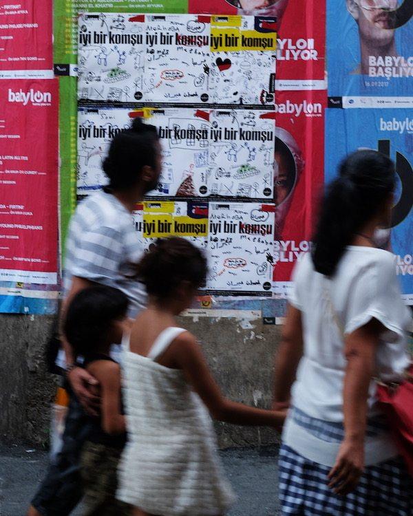 Mülteci çocuklar bienal için poster tasarladı