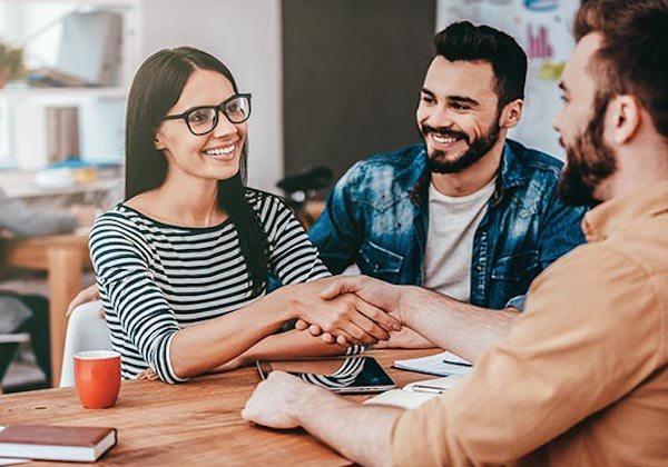 Masanın diğer tarafı: İş görüşmeleri