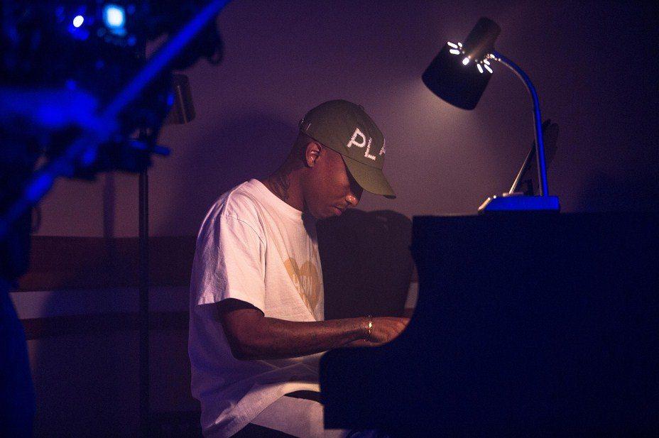 Pharrell Williams, 2117'de yayımlanacak bir şarkı yaptı