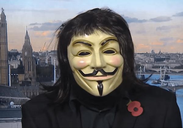 Black Mirror'dan distopik yılbaşı videosu