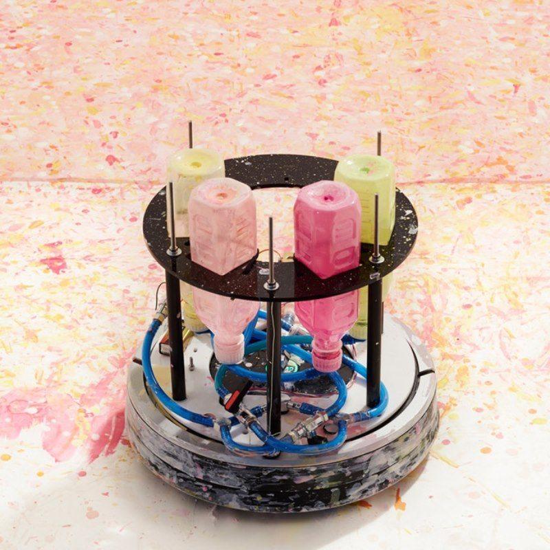 Temizlik robotu ressam oldu
