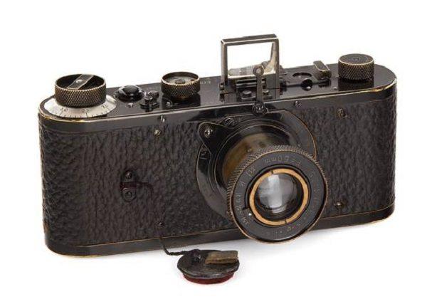 Leica dünyanın en pahalı kamerasını sattı
