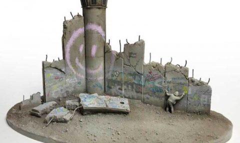 Banksy, hediyelik eşyalar tasarladı