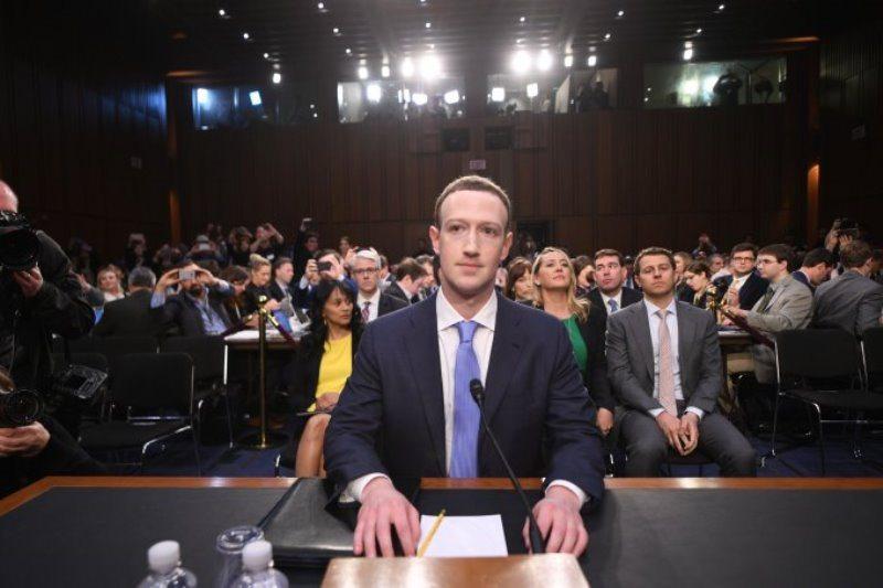 Zuckerberg kongre karşısına çıktı