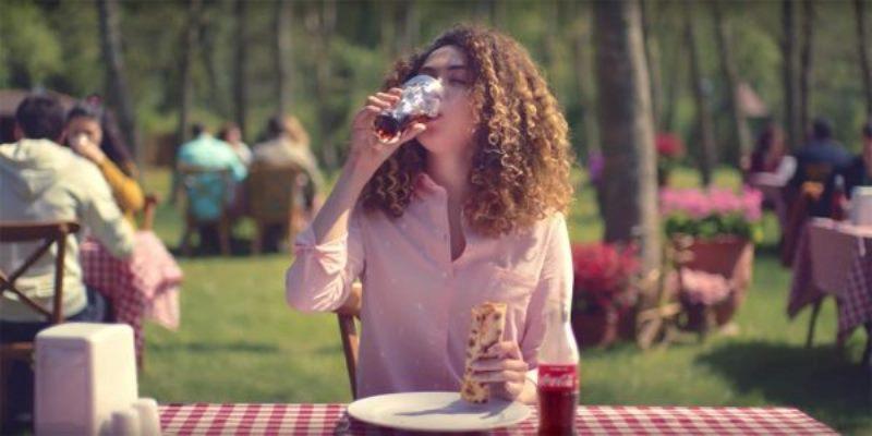 Coca-Cola yeme modlarını anlatan reklam çıkardı