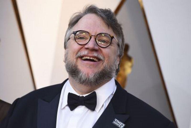 Guillermo del Toro Netflix için korku serisi çekiyor