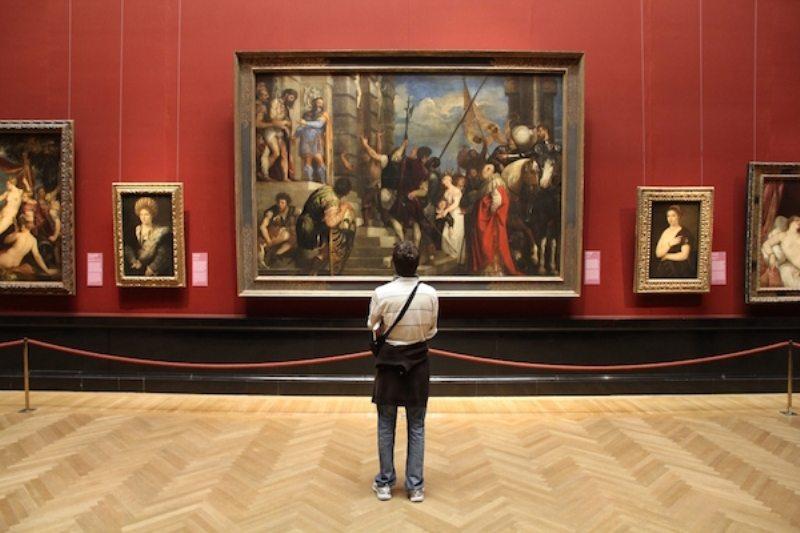 Fransa'da bir müze sahte eserler sergilediğini fark etti