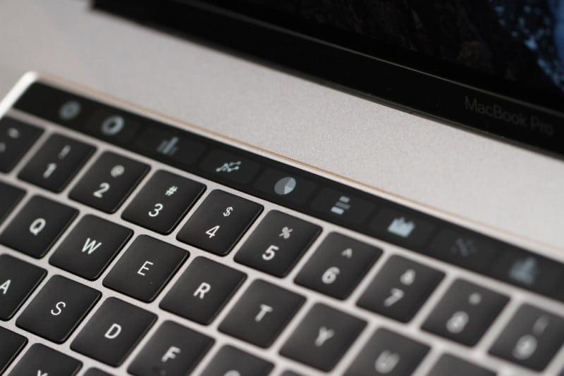 MacBook ve MacBook Pro'larda klavye tamiri bedava olacak